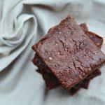 Brownie cru de cacau & cânhamo